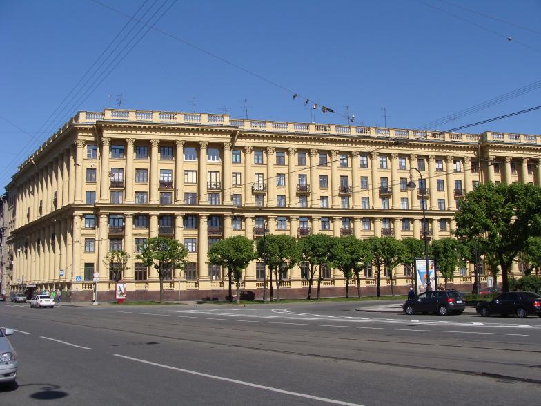 Петроградская. Улица Куйбышева.